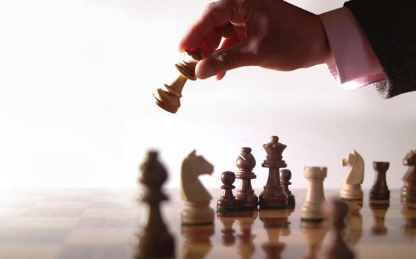 Когда у тебя на руках все карты она начинает играть в шахматы работа на круизных лайнерах в казино